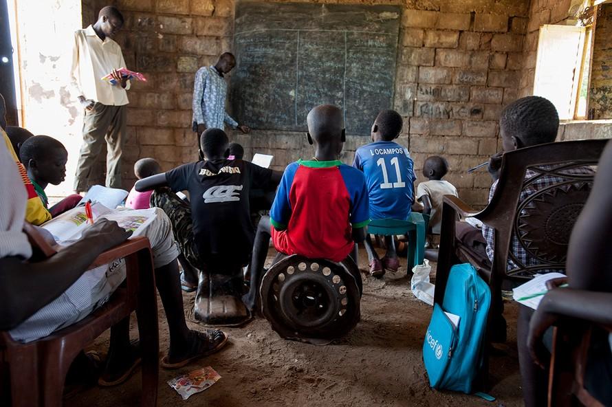 Một lớp học tại Nam Sudan trước thời dịch COVID-19.