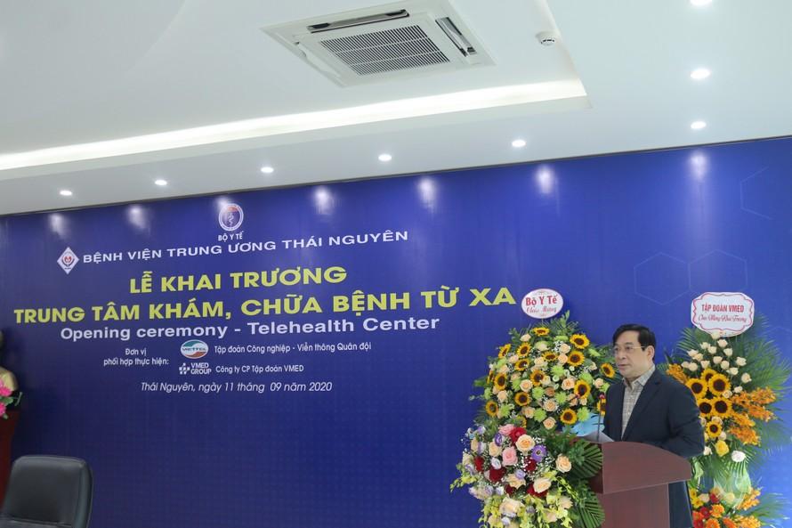 PGS.TS Lương Ngọc Khuê, Cục trưởng Cục Quản lý Khám, chữa bệnh phát biểu tại buổi khai trương Trung tâm Khám chữa bệnh từ xa-BV Trung ương Thái Nguyên.