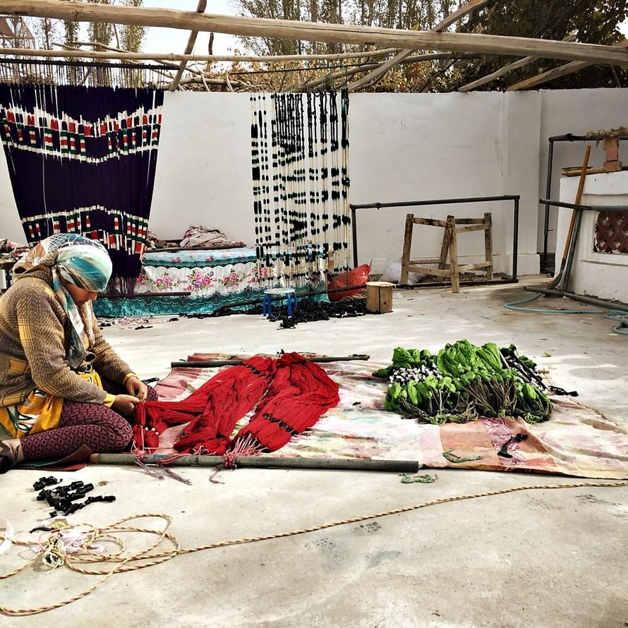 Thợ thủ công Uzbekistan.