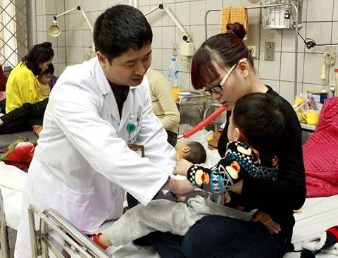Giá rét kéo dài hàng tuần, trẻ phải nhập viện tăng cao