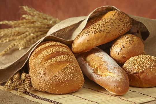 Ung thư vú hãy tránh xa bánh mì