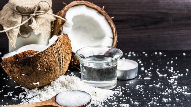 Giáo sư Đại học Harvard tuyên bố: Dầu dừa hoàn toàn là chất độc