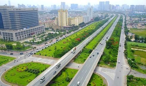 Đại lộ Thăng Long là một trong những tuyến đường huyết mạch của thủ đô đi qua huyện Hoài Đức. Ảnh: Bá Đô.