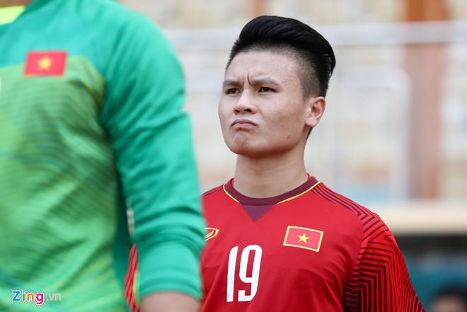 Quang Hải sẽ không rời Việt Nam vì CLB Hà Nội muốn để cầu thủ này tập trung cho đội bóng và tuyển quốc gia. Ảnh: Minh Chiến.