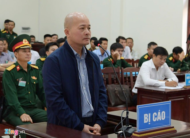 Út 'trọc' hầu tòa phúc thẩm, xin giảm án 12 năm tù