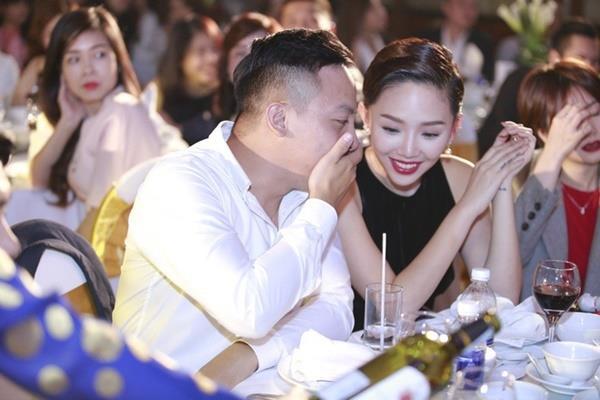 Tóc Tiên - Hoàng Touliver bí mật kết hôn