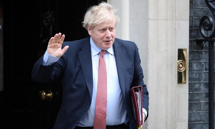 Thủ tướng Anh quay trở lại văn phòng làm việc kể từ 27/4
