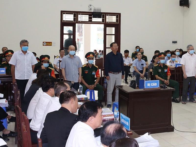 Các bị cáo tại tòa ngày 20-5.