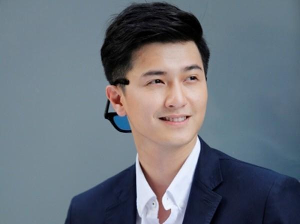 Huỳnh Anh bị chỉ trích vì 'đá đểu' Quang Hải và khoe của