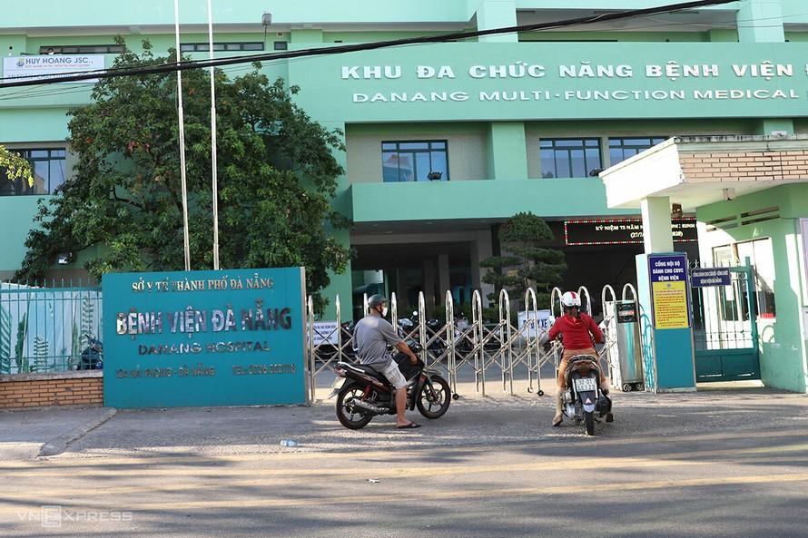Lịch trình 11 ca COVID-19 mới xoay quanh 'ổ dịch' Bệnh viện Đà Nẵng