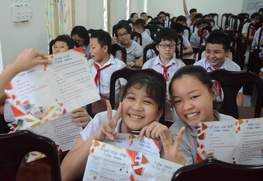 Lớp học kỹ năng chống tin giả ở một trường trung học cơ sở tại Đà Nẵng