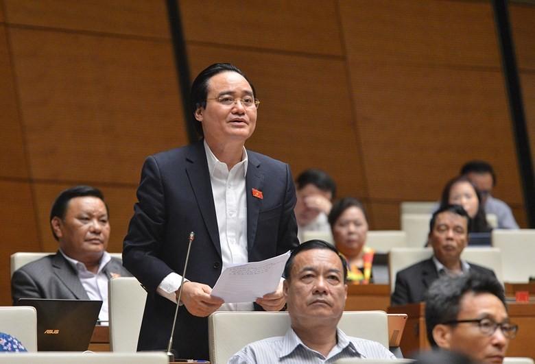 Bộ trưởng Phùng Xuân Nhạ giải trình trước Quốc hội về SGK lớp 1