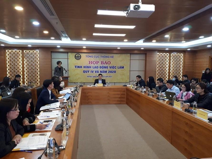 Quang cảnh họp báo về tình hình lao động, việc làm năm 2020.