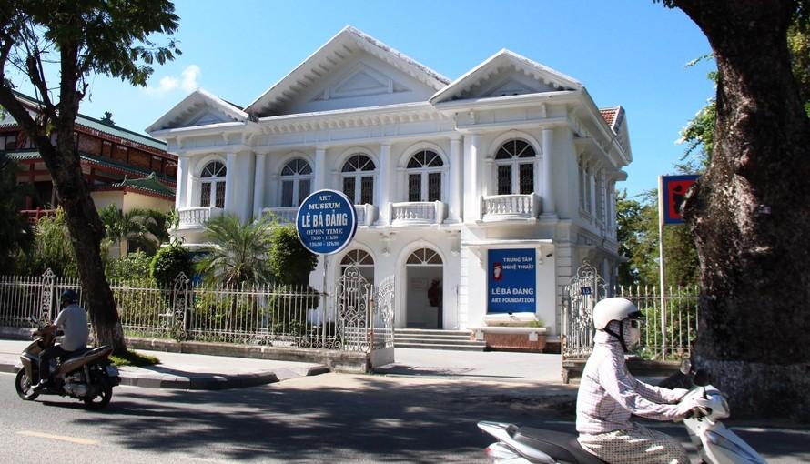 Trung tâm nghệ thuật Lê Bá Đảng trên đường Lê Lợi, trung tâm TP. Huế. Ảnh: VGP/Minh An