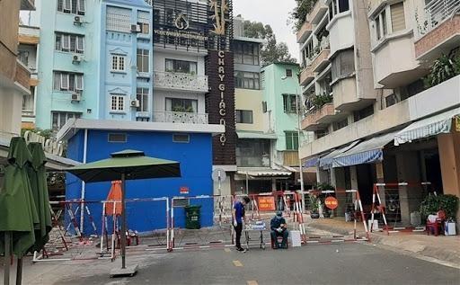 TP Hồ Chí Minh phong tỏa tạm thời hai địa điểm liên quan đến ca COVID-19 mới