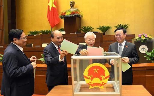 Ảnh minh họa: Các đồng chí lãnh đạo Đảng, Nhà nước bỏ phiếu bầu Phó Chủ tịch nước, một số Ủy viên Ủy ban Thường vụ Quốc hội.
