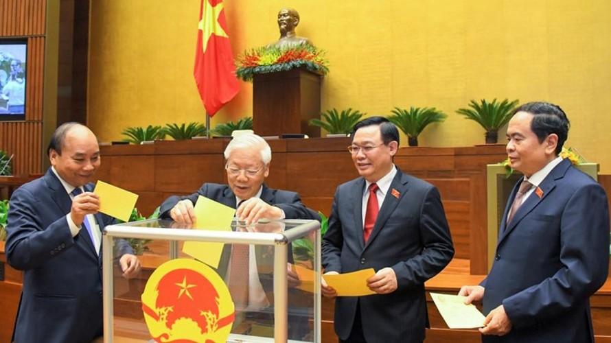 Các đại biểu Quốc hội bỏ phiếu tại Kỳ họp 11, Quốc hội khoá XIV