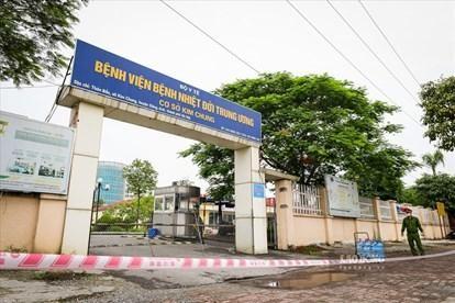 Bệnh viện có tình trạng lây chéo, Bộ Y tế yêu cầu xét nghiệm định kỳ cho nhân viên y tế