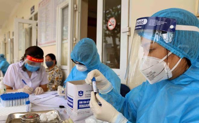 200 bác sĩ, nhân viên y tế Quảng Ninh 'xuất quân' sang Bắc Giang hỗ trợ phòng chống dịch