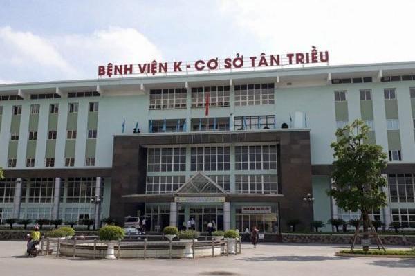 Tiếp tế khẩu trang, lương thực khẩn cấp cho Bệnh viện K Tân Triều