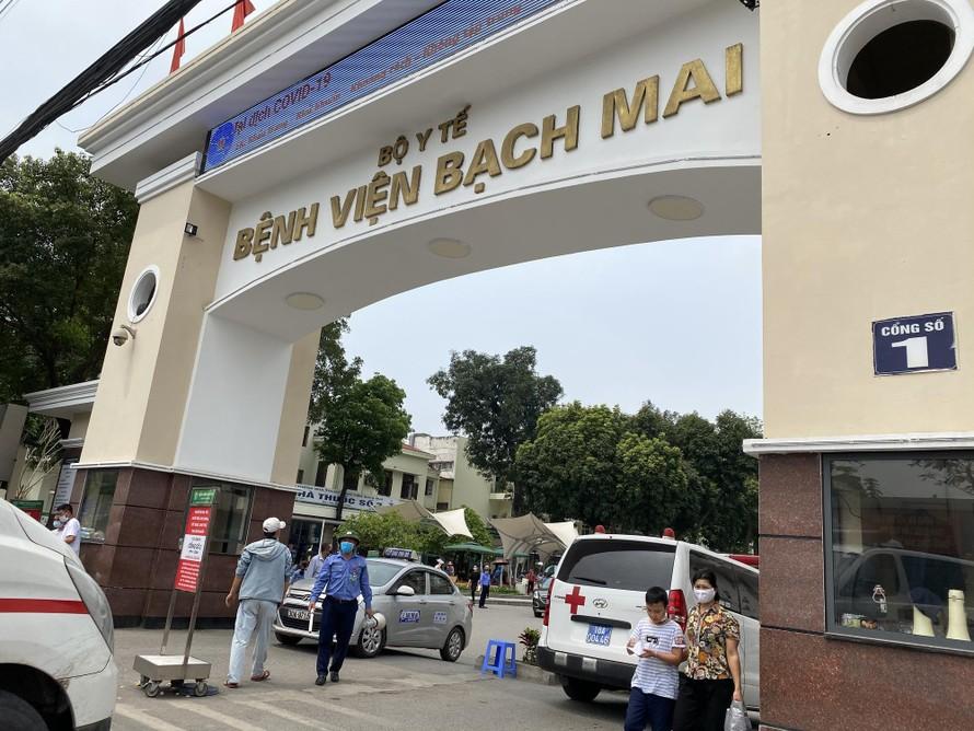Bệnh viện Bạch Mai cử kíp chuyên môn về máy thở đến hỗ trợ Bắc Ninh