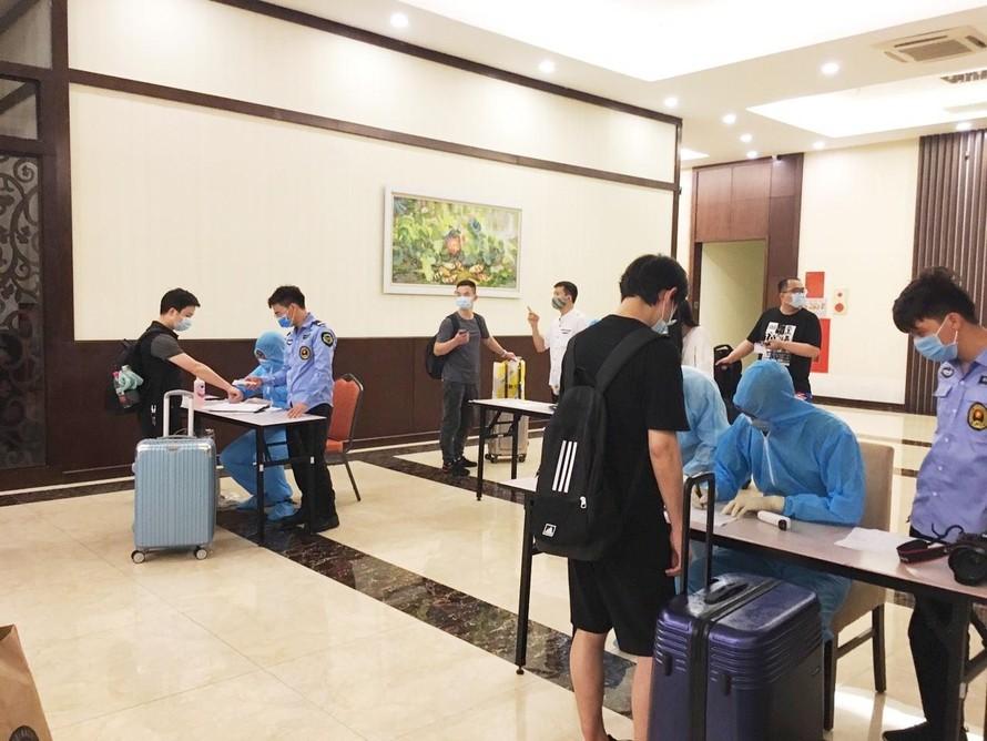 Hà Nội siết chặt giám sát 19 khách sạn cách ly người nhập cảnh