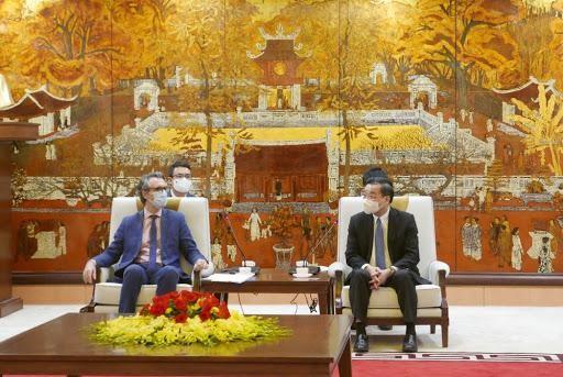 Chủ tịch UBND thành phố Hà Nội Chu Ngọc Anh tiếp ông Giorgio Aliberti, Đại sứ, Trưởng Phái đoàn Liên minh châu Âu (EU)