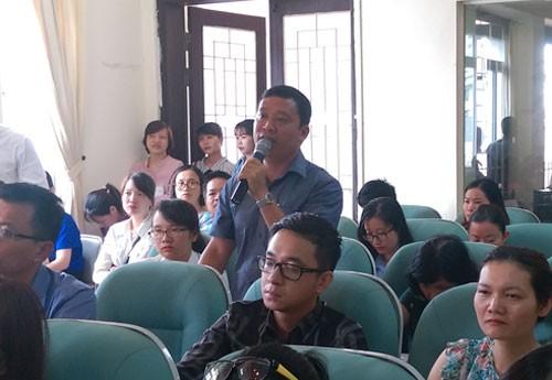 Đại diện Công ty May 10 đưa ra 3 kiến nghị được nhiều doanh nghiệp hưởng ứng. Ảnh: Hoàng Phương.