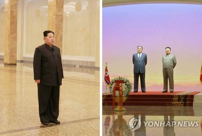 Chủ tịch Kim Jong-un viếng thăm lăng mộ cha và ông nội hồi cuối tuần trước. Ảnh: Yonhap