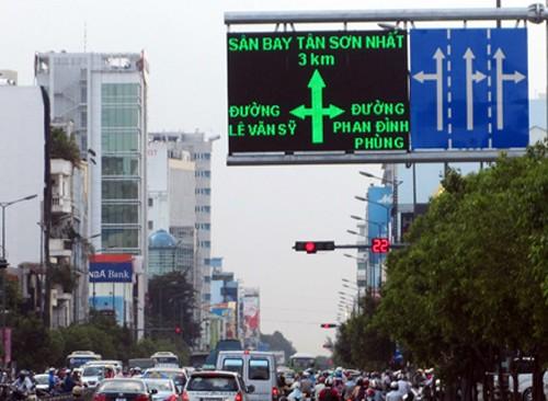 Ngoài tình hình giao thông, sắp tới các thông tin về mức độ ô nhiễm môi trường sẽ được đưa lên các biển báo điện từ trên đường để người dân theo dõi.