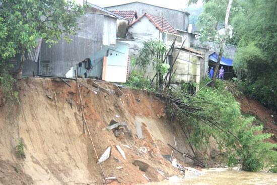 Không khí lạnh gây mưa rét toàn miền Bắc, Nam Trung Bộ nguy cơ lũ quét