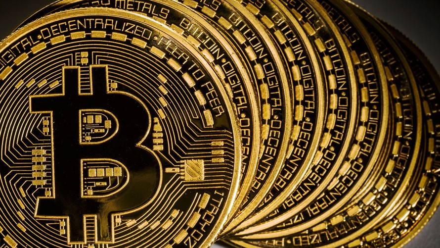 Đồng Bitcoin vượt mốc 11.000 USD chỉ trong 1 giờ