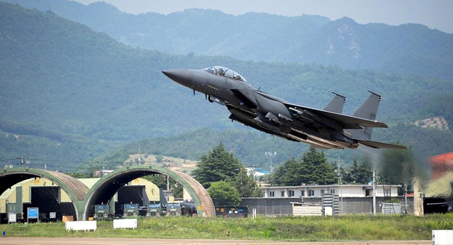 Hàn Quốc: Một máy bay chiến đấu F-15K gặp nạn, hai viên phi công tử vong
