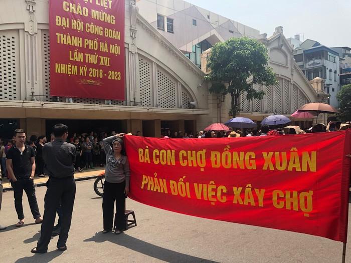 Quận Hoàn Kiếm khẳng định không có chuyện xây lại chợ Đồng Xuân