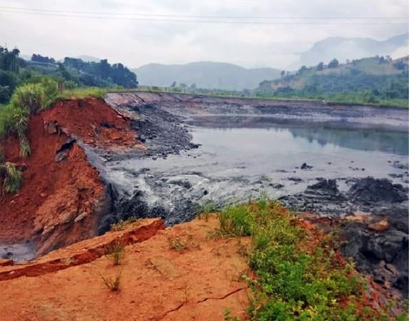 Hiện trường vụ vỡ hồ chứa chất thải. Ảnh: Báo Lào Cai