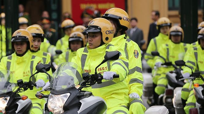 Lực lượng CSGT Hà Nội trong lễ xuất quân. Ảnh: Tiền Phong
