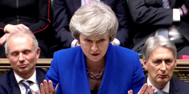 Bà May ra 'tối hậu thư' với các nhà lập pháp Anh