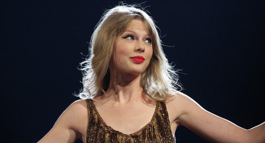 Taylor Swift quyên góp 113.000 USD cho nhóm đấu tranh quyền bình đẳng giới
