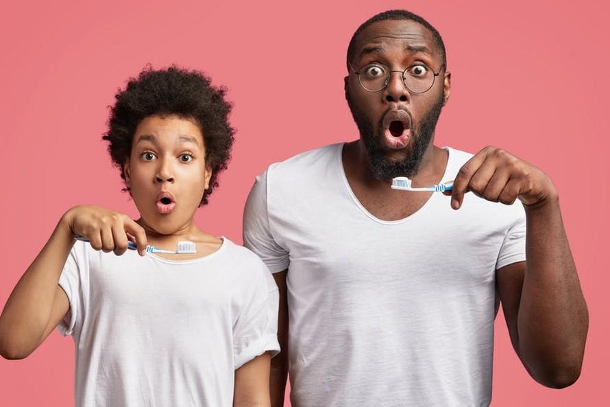 Đánh răng giúp ngăn ngừa khả năng mắc Alzheimer