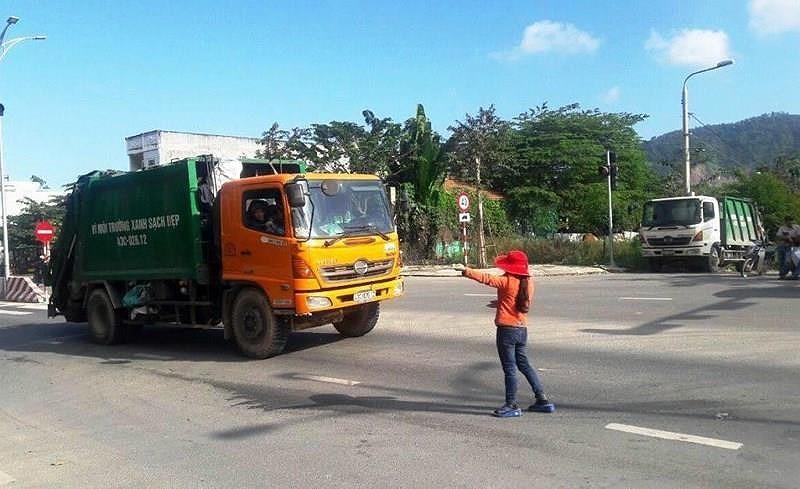 Đà Nẵng ùn ứ chất thải do người dân chặn xe rác vào bãi rác Khánh Sơn