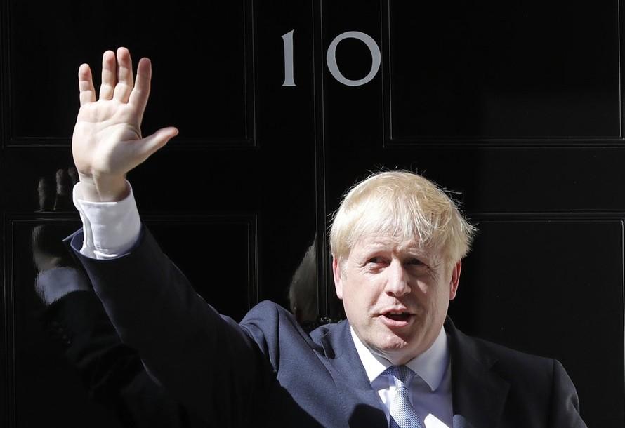 Thủ tướng Anh quyết định đình chỉ Quốc hội