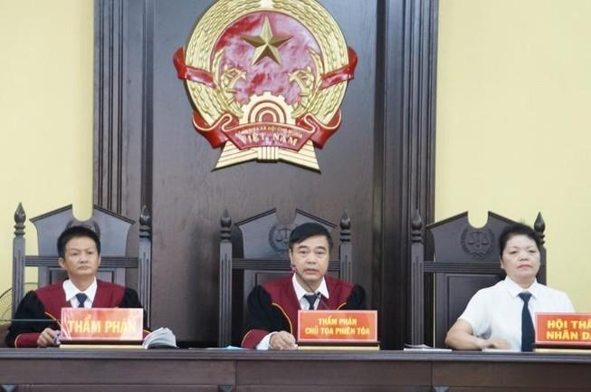 Hoãn phiên xét xử vụ gian lận thi cử Sơn La