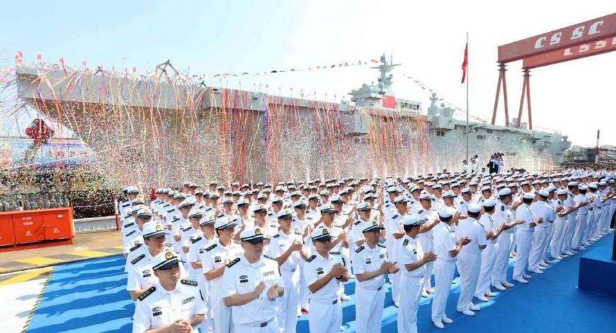 Trung Quốc ra mắt tàu sân bay trực thăng Type 075