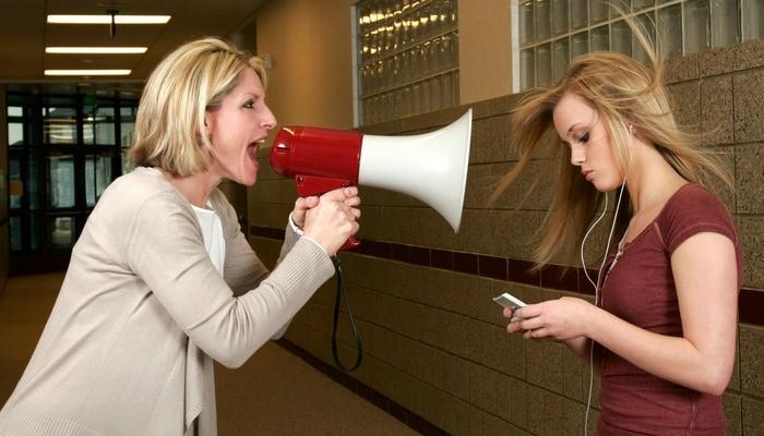 La mắng có giúp con cái nghe lời cha mẹ?