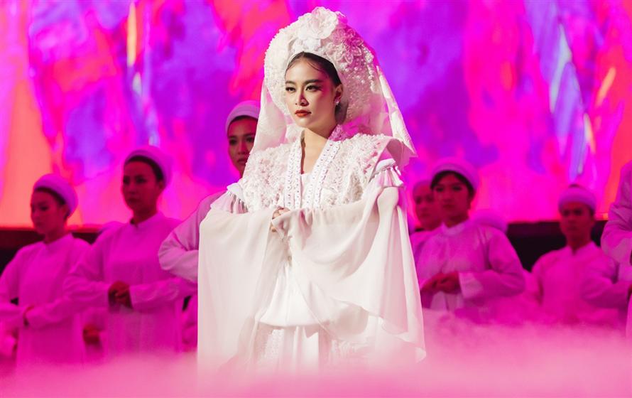 """Hoàng Thùy Linh: """"Tôi không có thời gian dành cho gia đình, người yêu'"""