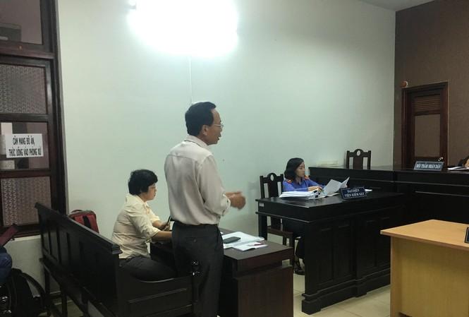 Ông Lê Văn Vui, đại diện phía nguyên đơn trình bày tại phiên tòa. Ảnh: VOV