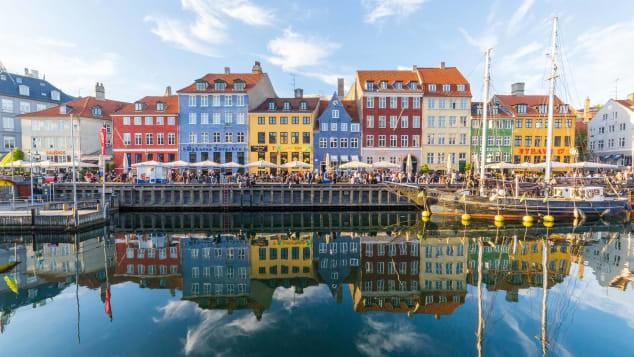 Các tòa nhà, kiến trúc, thuyền ở Copenhagen, Đan Mạch. Ảnh: CNN