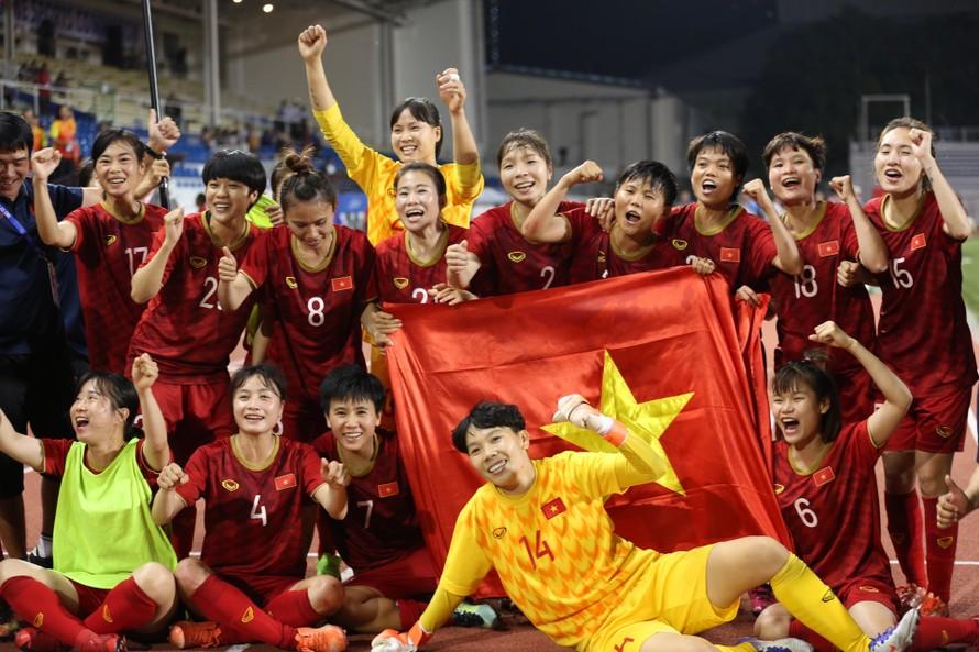 HLV trưởng Mai Đức Chung: 'Các cầu thủ nữ đã thể hiện sự kiên cường, dũng cảm của người phụ nữ Việt Nam'