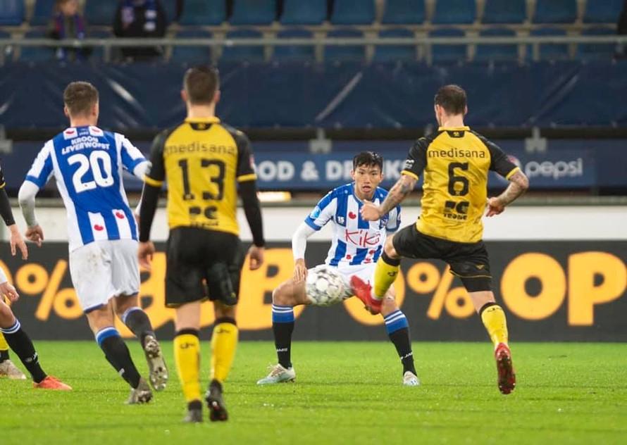 Văn Hậu có trận ra mắt đội 1 SC Heerenveen