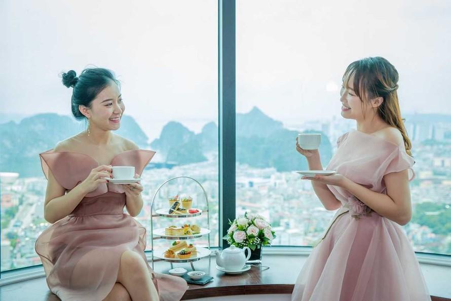 Mùa lễ hội 2019, check-in ô cửa sổ khổng lồ cực ảo tại khách sạn view cao nhất Hạ Long